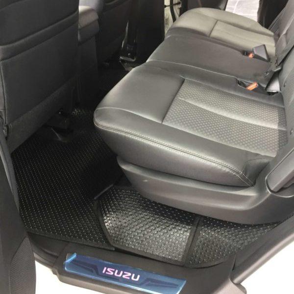 Thảm lót sàn ô tô Isuzu Mu-X 2017 - Hàng 2