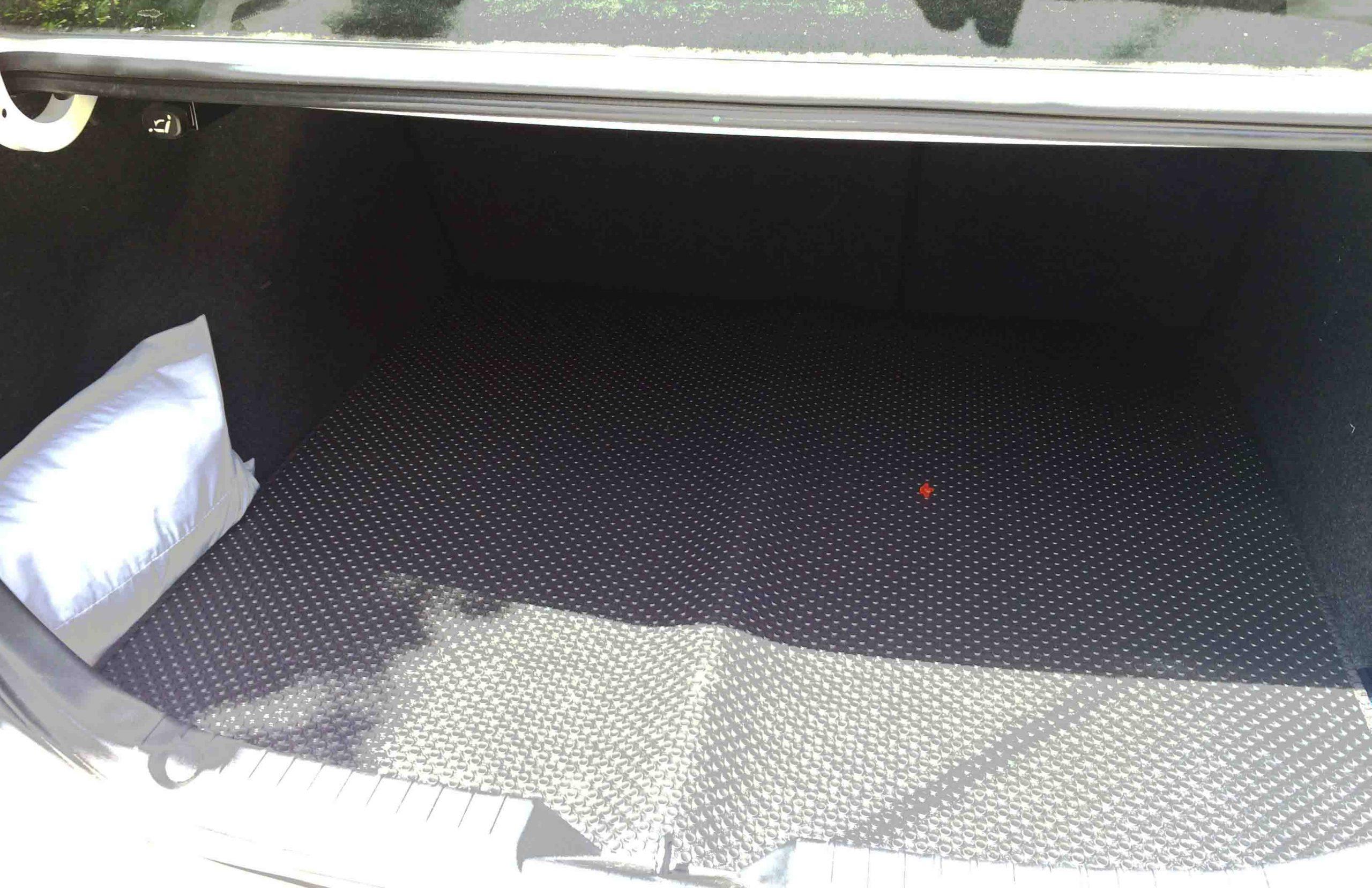 Thảm lót cốp Mazda 3
