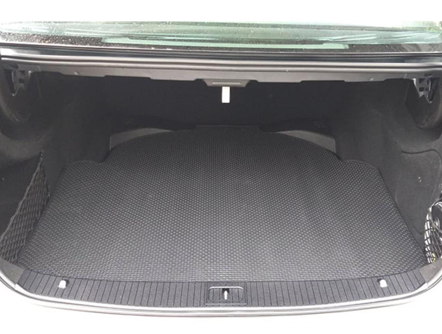 Thảm lót cốp Mercedes E Class W212