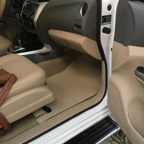 Thảm lót sàn ô tô Navara Np300