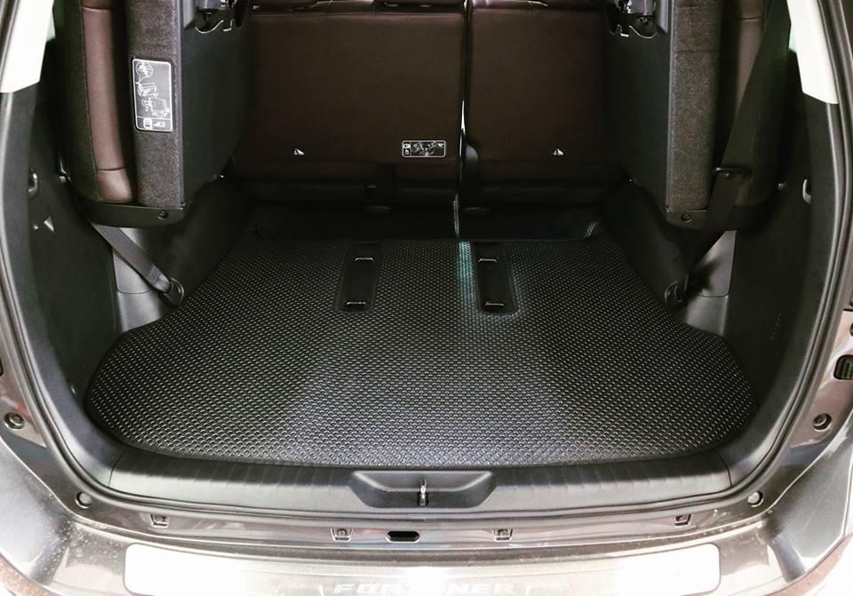 Thảm lót cốp ô tô Toyota Fortuner
