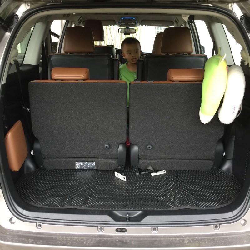 Thảm lót cốp Toyota Innova
