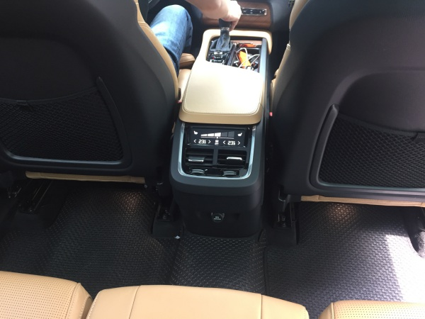 Thảm lót sàn ô tô Volvo XC90