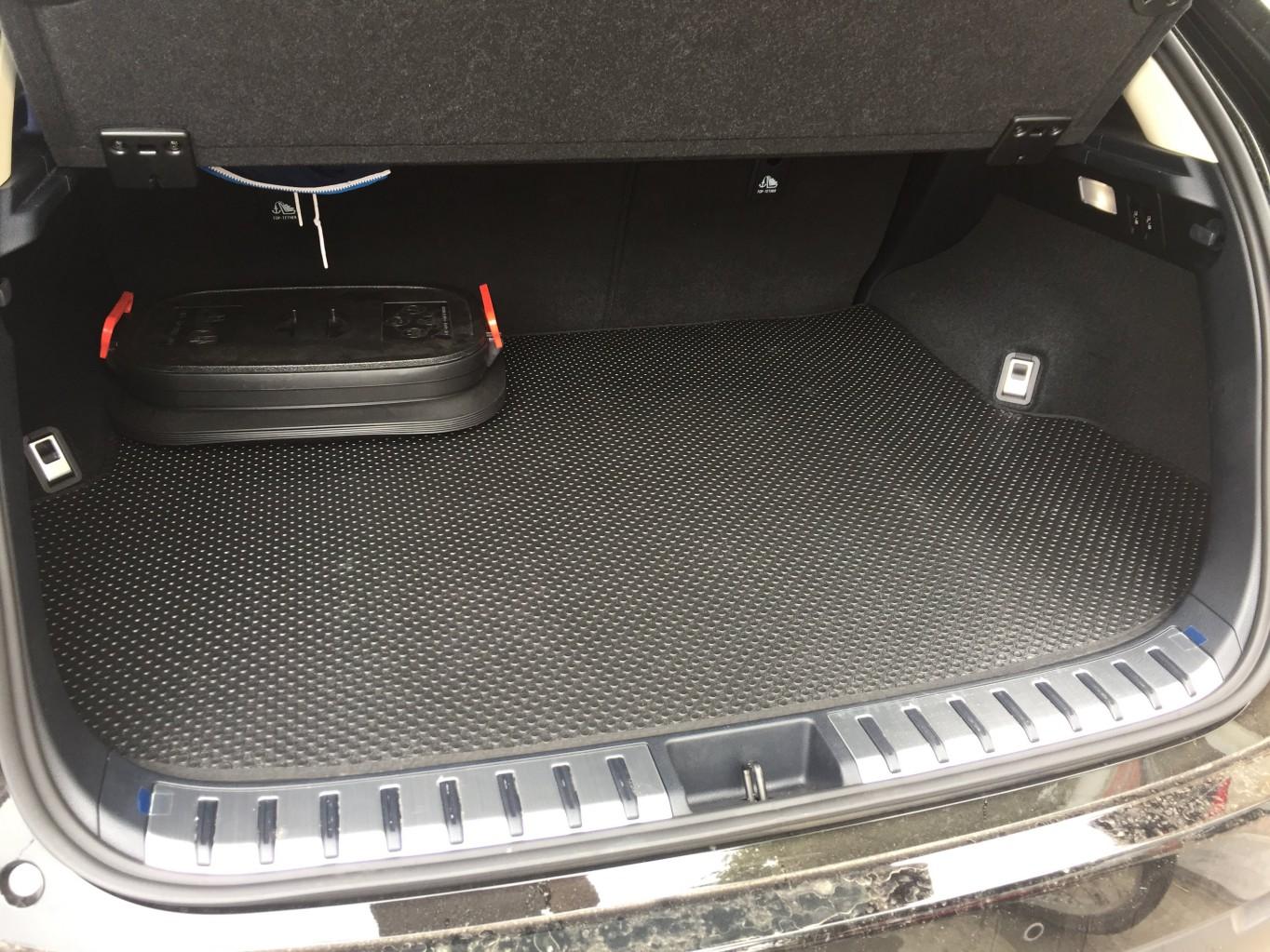 Thảm lót cốp Lexus NX200t 300t