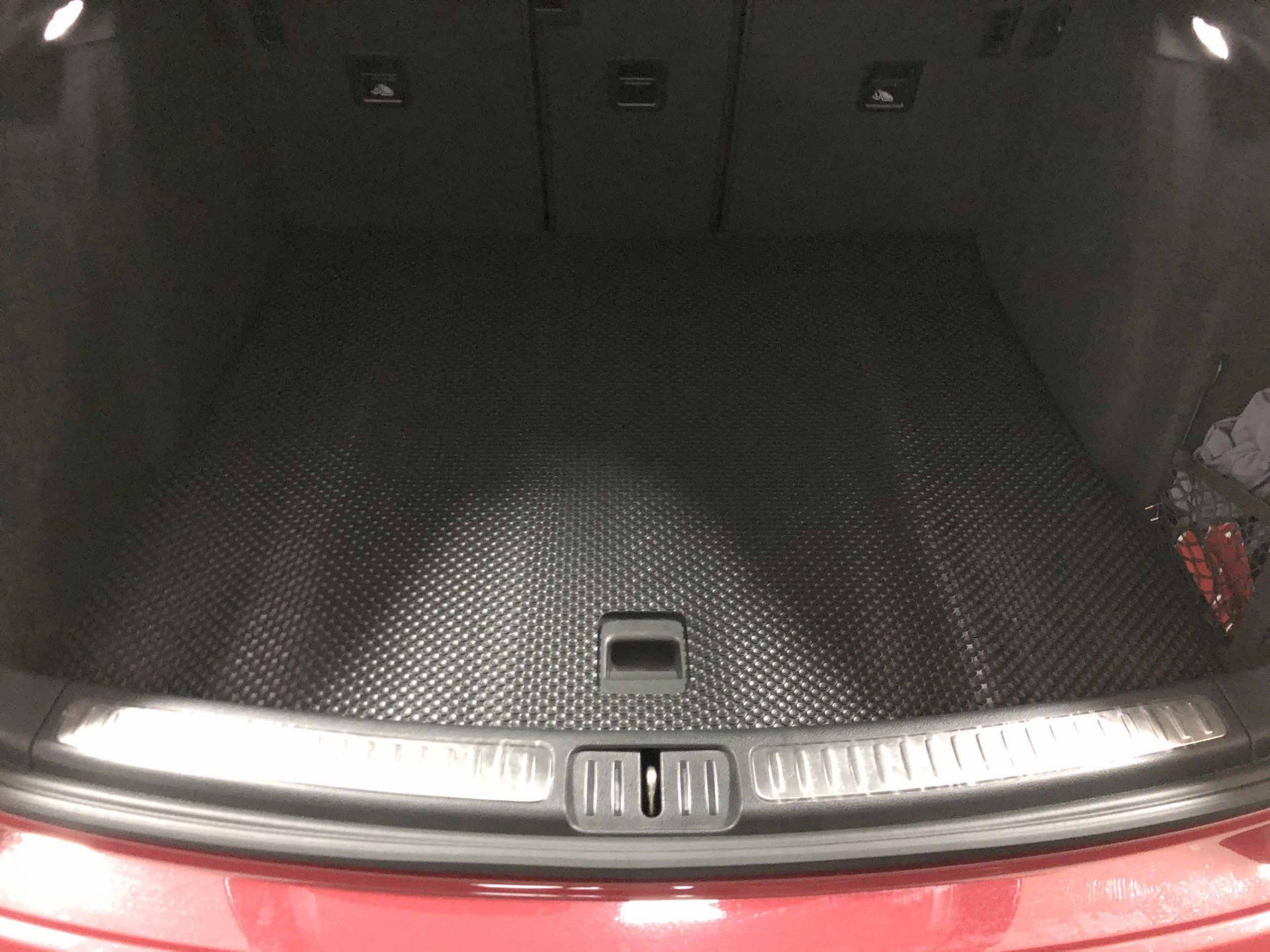Thảm lót cốp Porsche Macan GTS