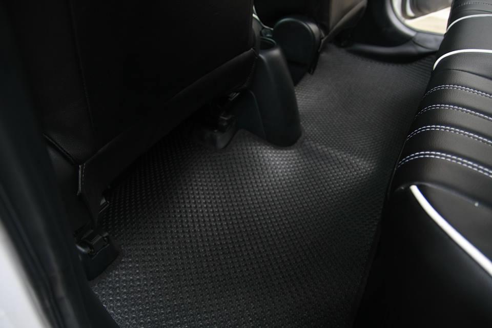 Thảm lót sàn ô tô Toyota Yaris