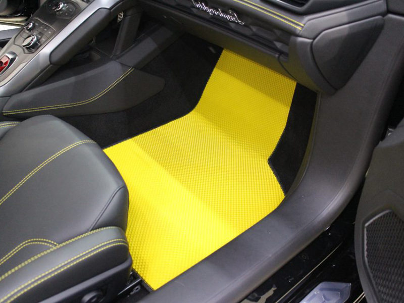 Thảm lót sàn siêu xe Lamborghini