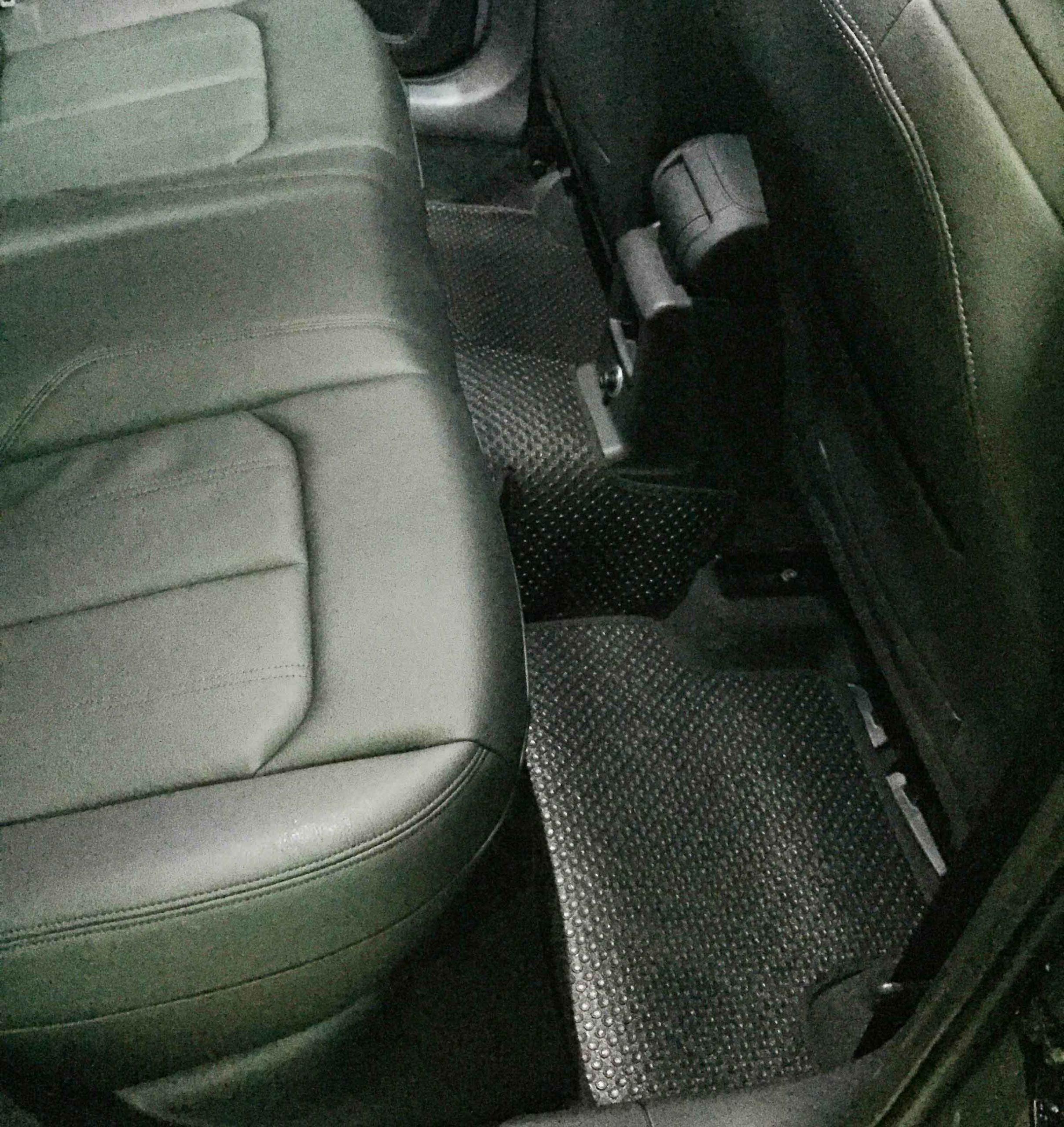Thảm lót sàn Audi Q2 2018