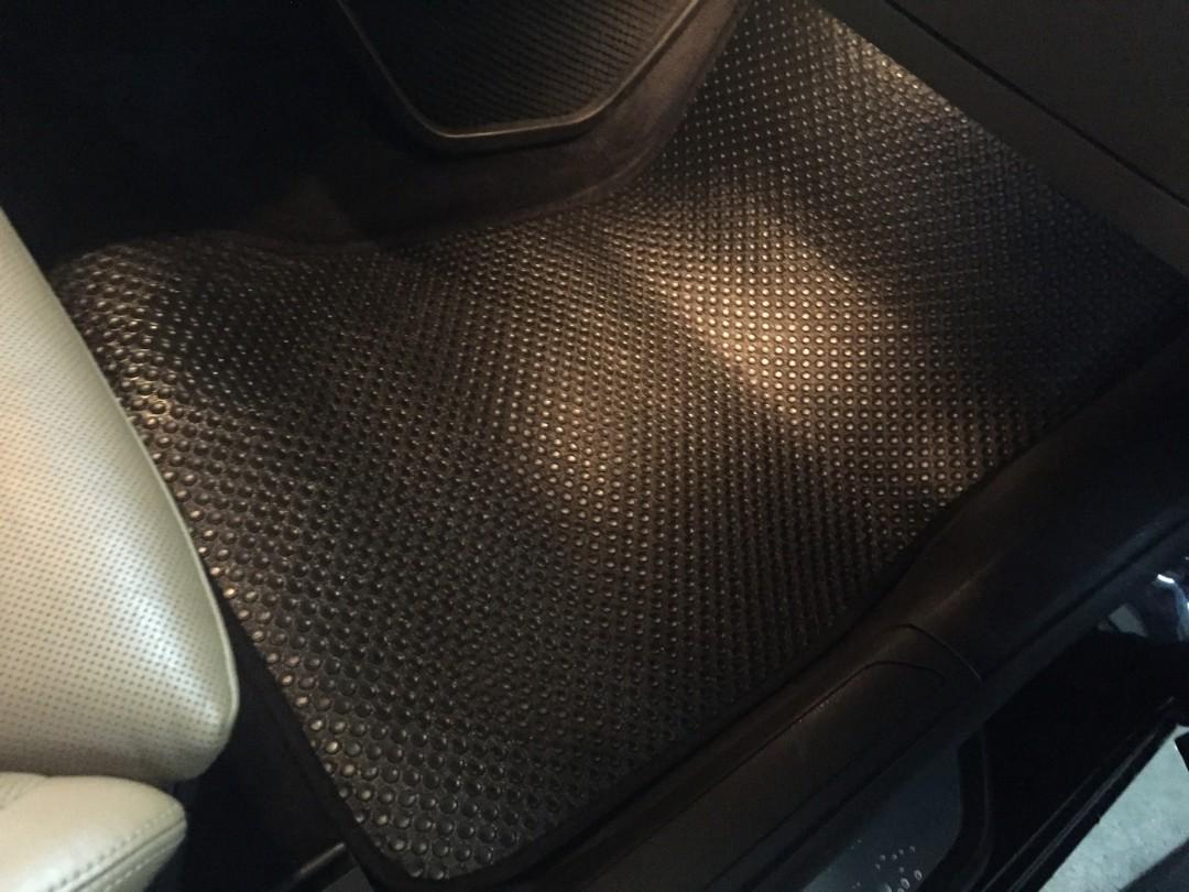 Thảm lót sàn BMW 750Li 2010