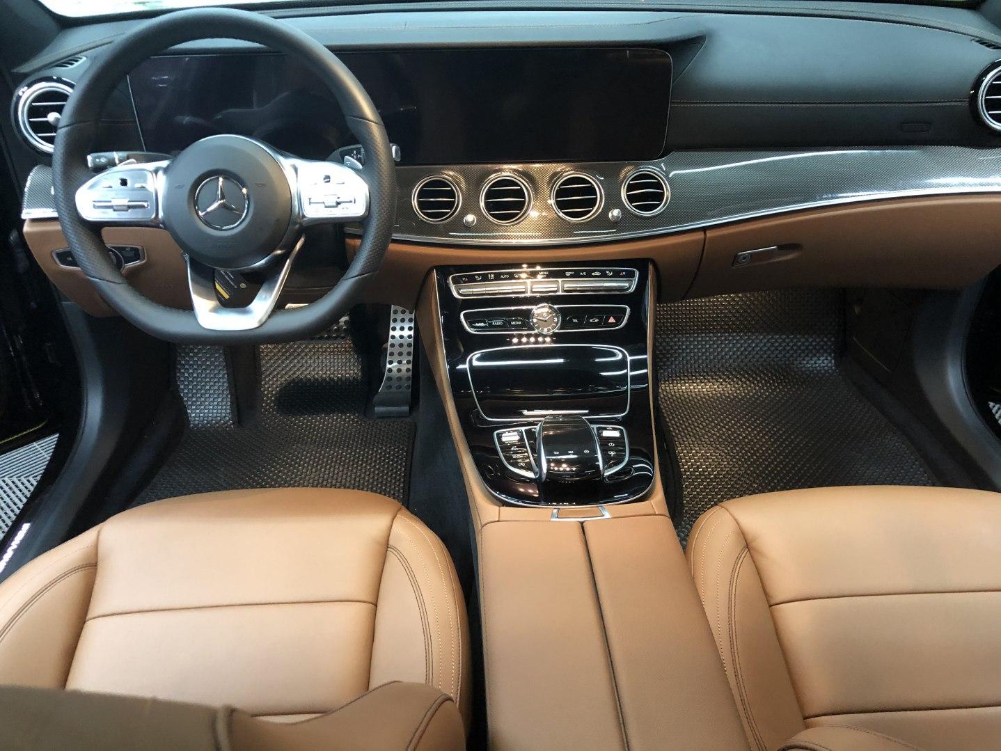 Thảm lót sàn Mercedes E Class W213
