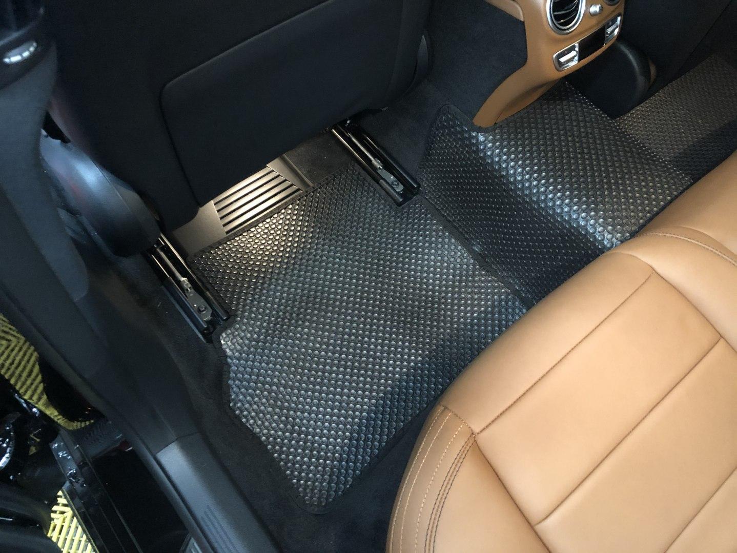 Thảm lót sàn Mercedes E300 AMG W213