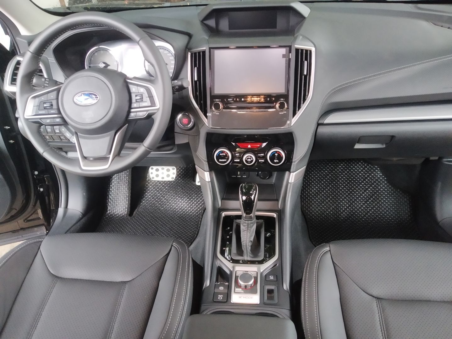 Thảm lót sàn Subaru Forester 2019 đen