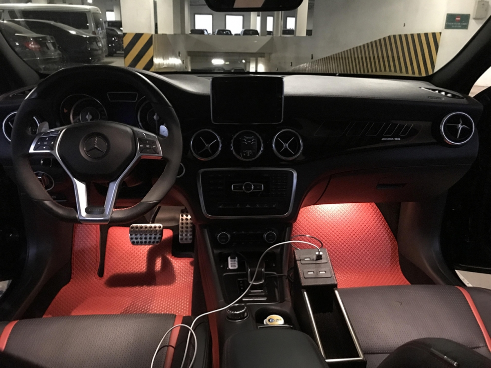 tham-lot-san-o-to-Mercedes-Benz-GLA,-CLA45-(4)