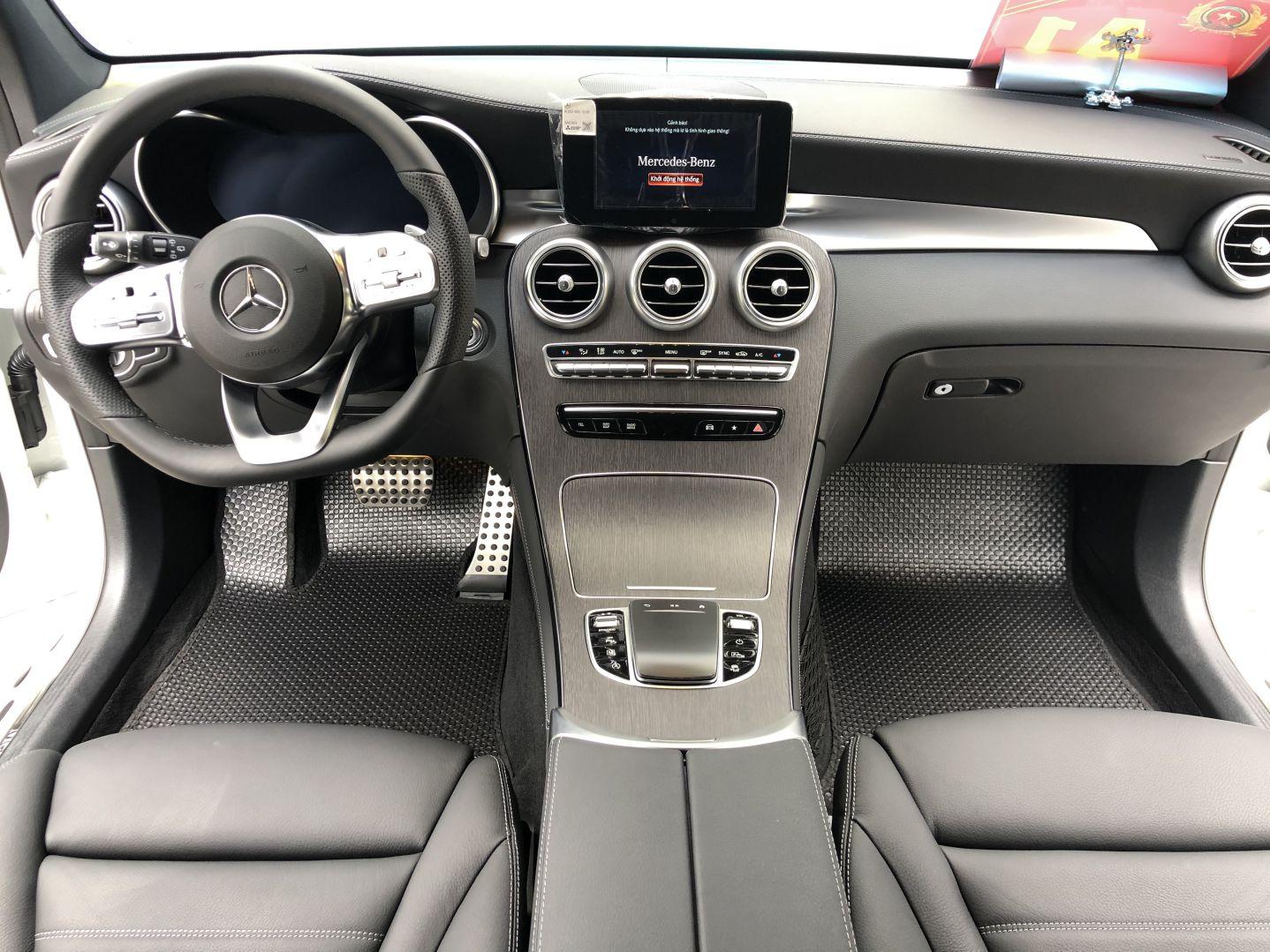 Thảm lót sàn Mercedes GLC 300 2020