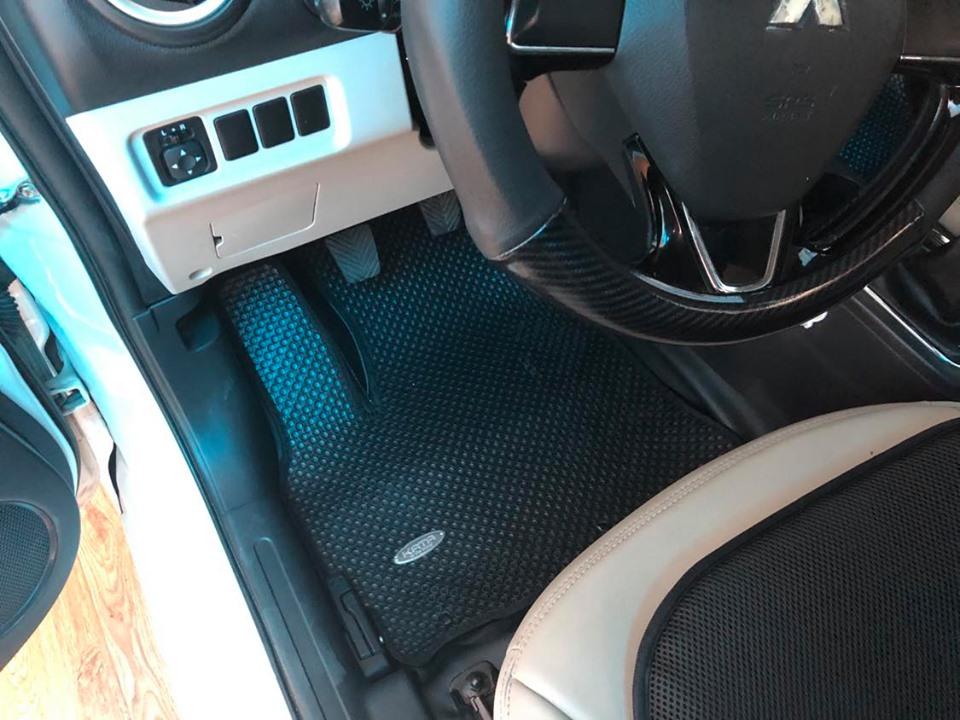 Thảm lót sàn Mitsubishi Attrage 2019