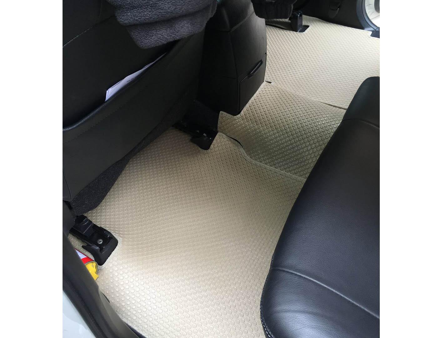 Thảm lót sàn Toyota Fortuner 2014