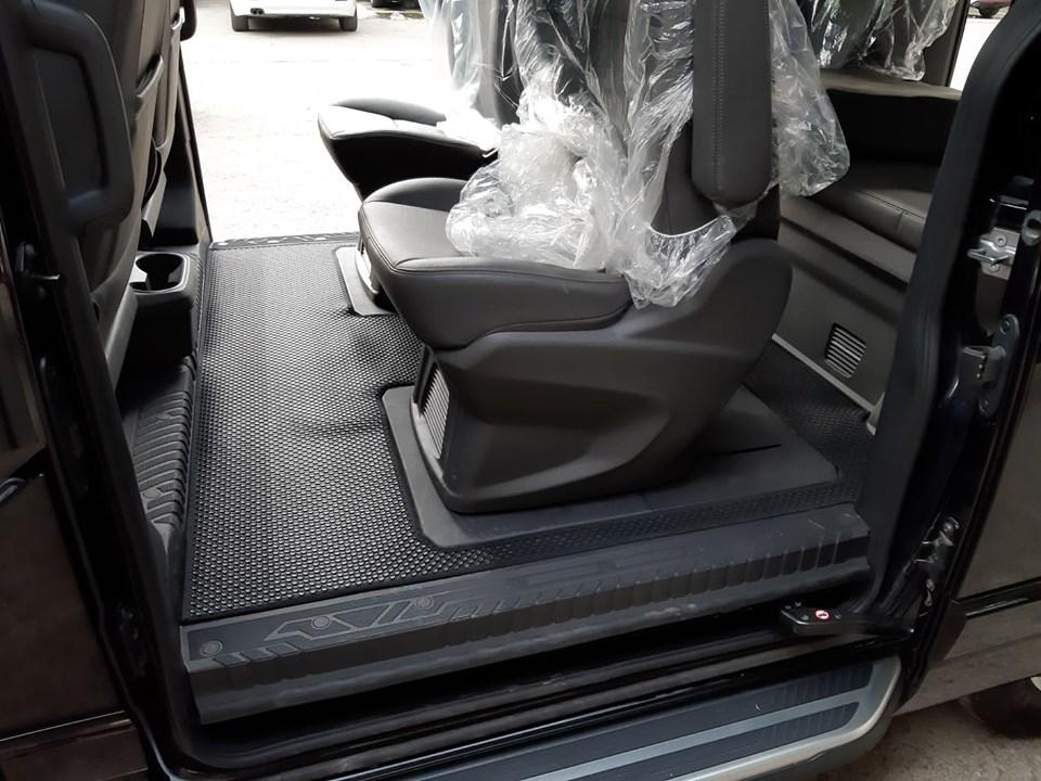 Thảm lót sàn Ford Tourneo 2020