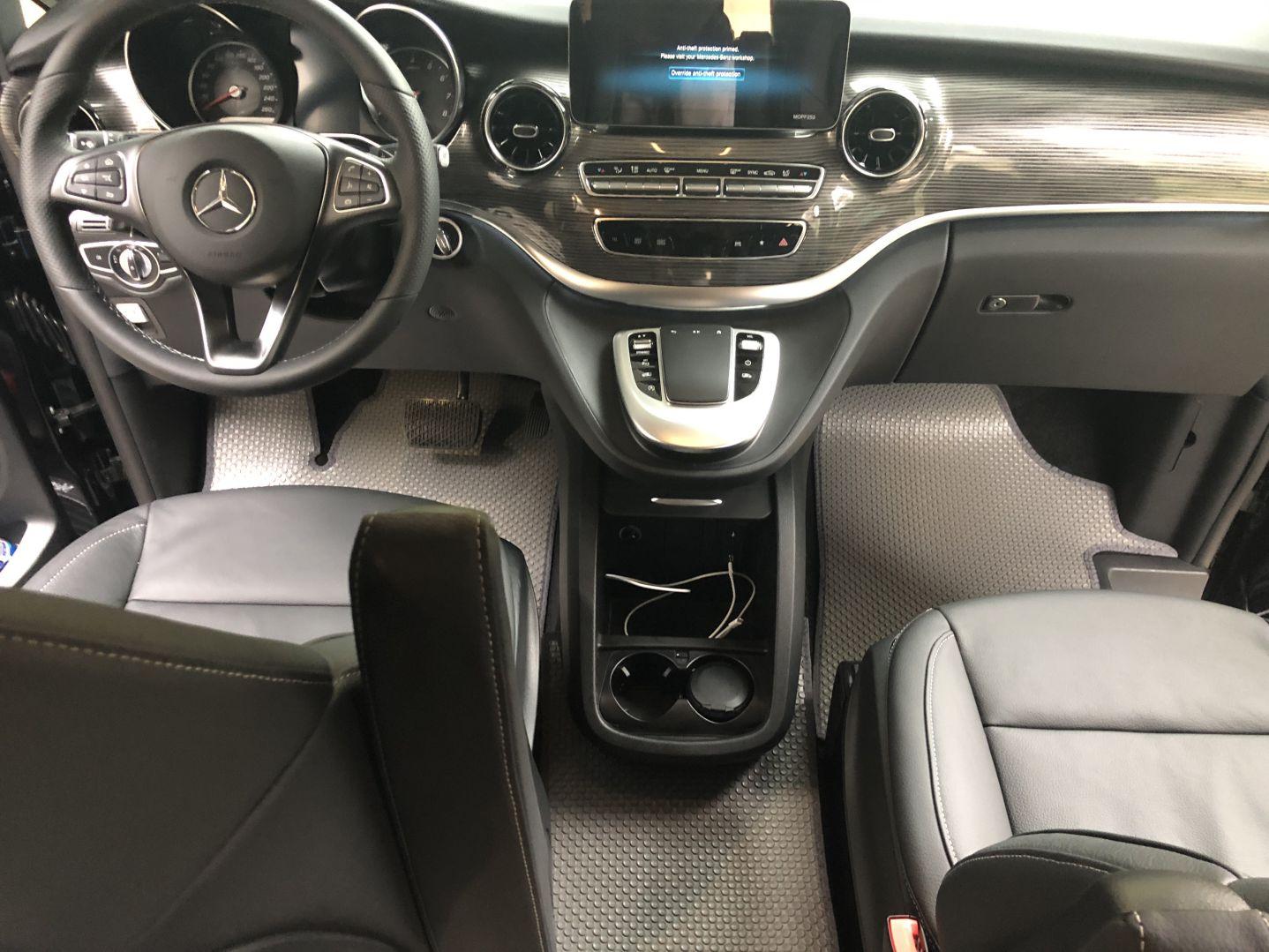 Thảm lót sàn Mercedes V Class W447