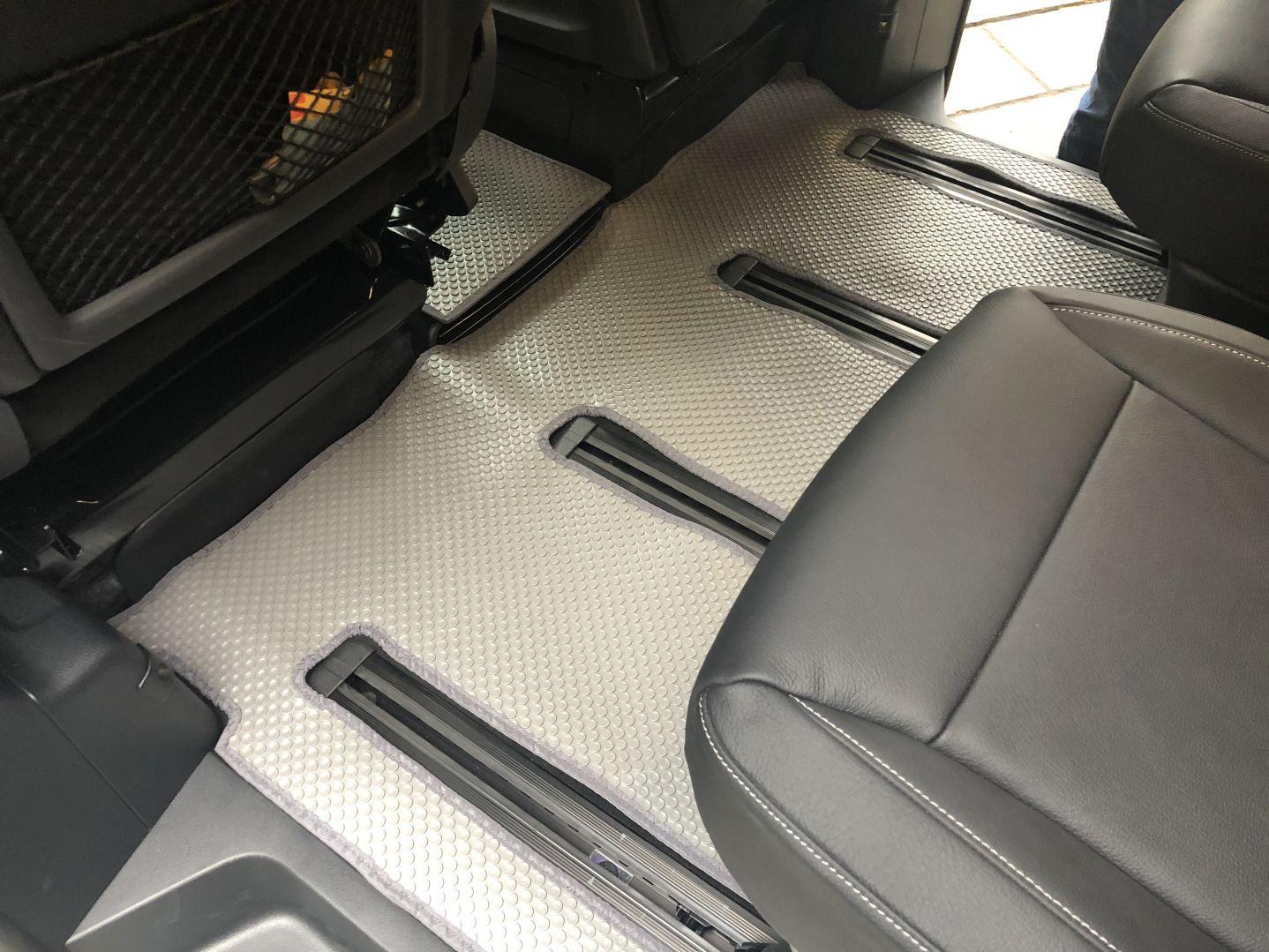 Thảm lót sàn Mercedes V Class