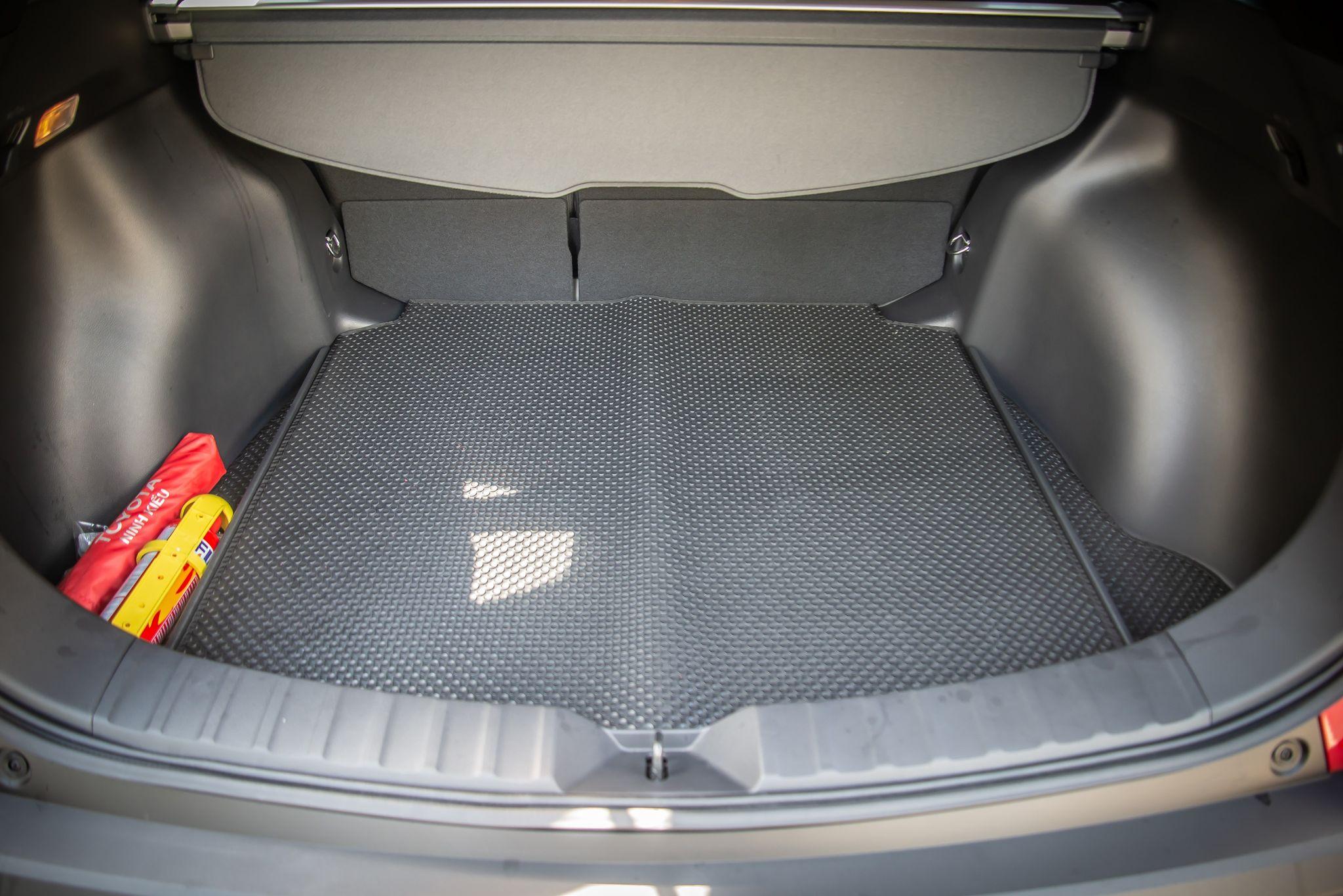 Thảm lót cốp Toyota Corolla Cross 2020