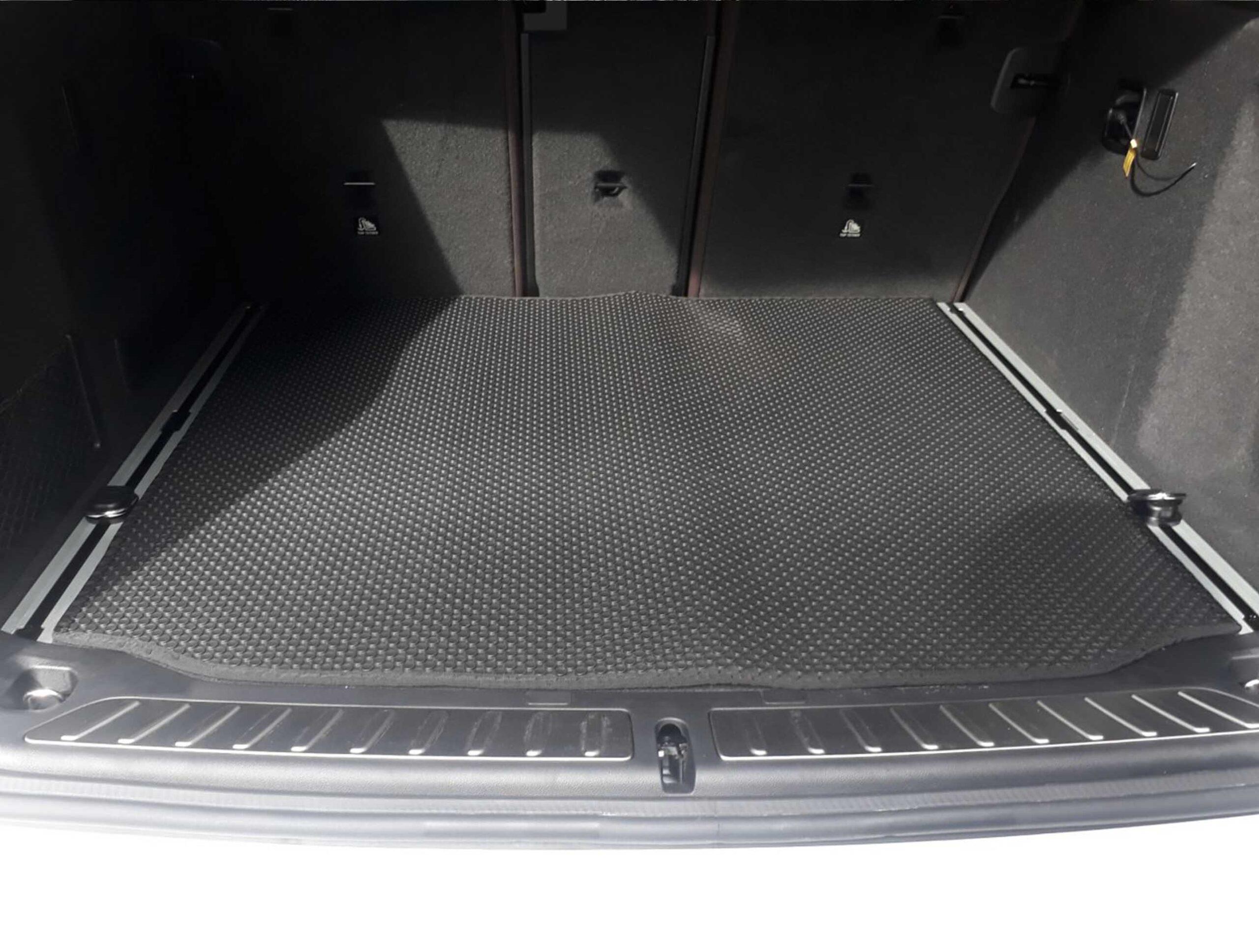 Thảm lót cốp BMW X3 2020