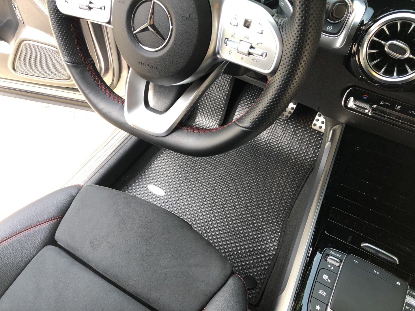 Thảm lót sàn cao cấp Mercedes GLB 2020