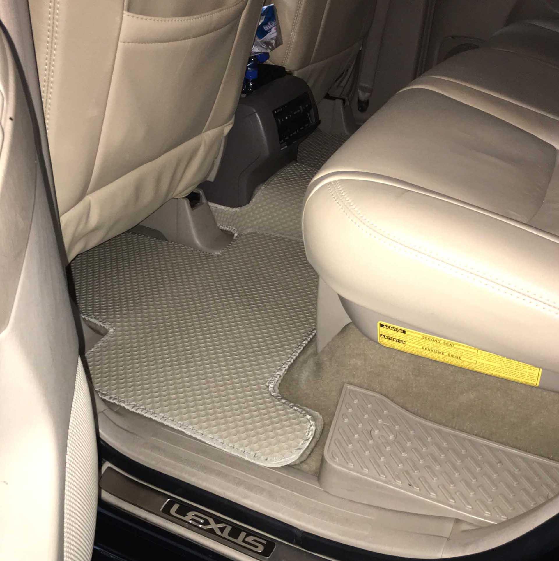 Thảm lót sàn Lexus GX470 thế hệ thứ nhất