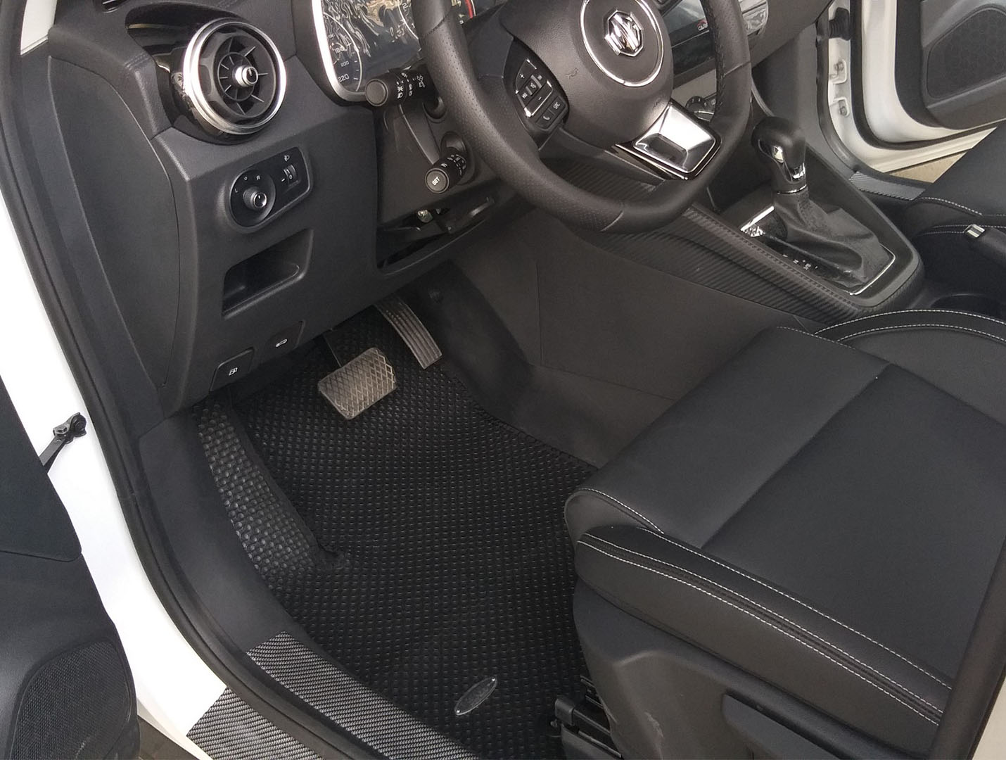 Thảm lót sàn MG ZS 2020