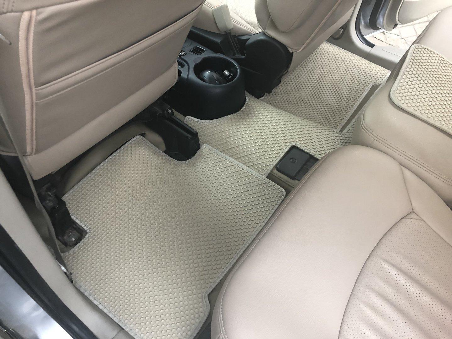 Thảm lót sàn Mitsubishi Grandis