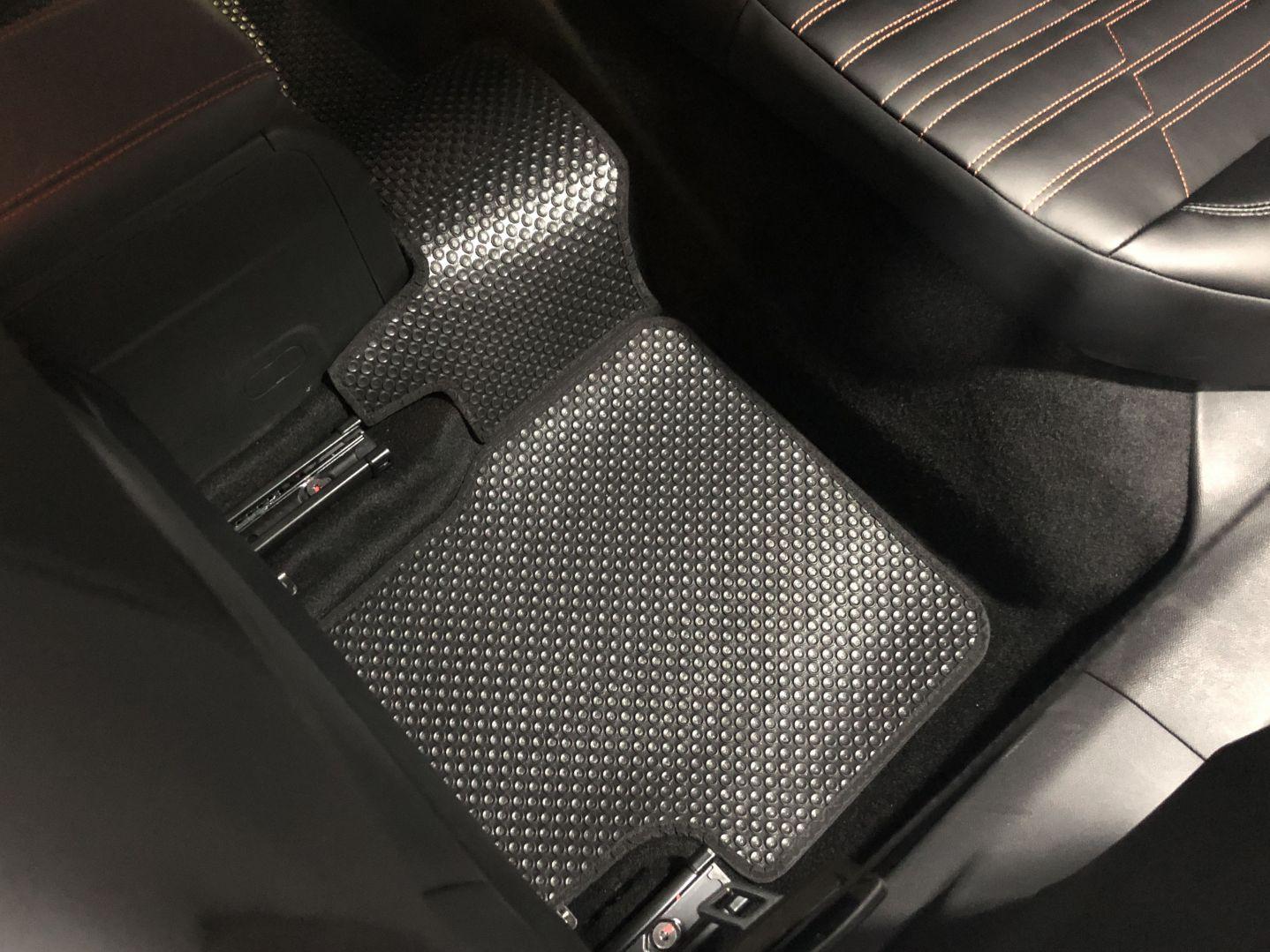 Thảm lót sàn Peugeot 2008 2020
