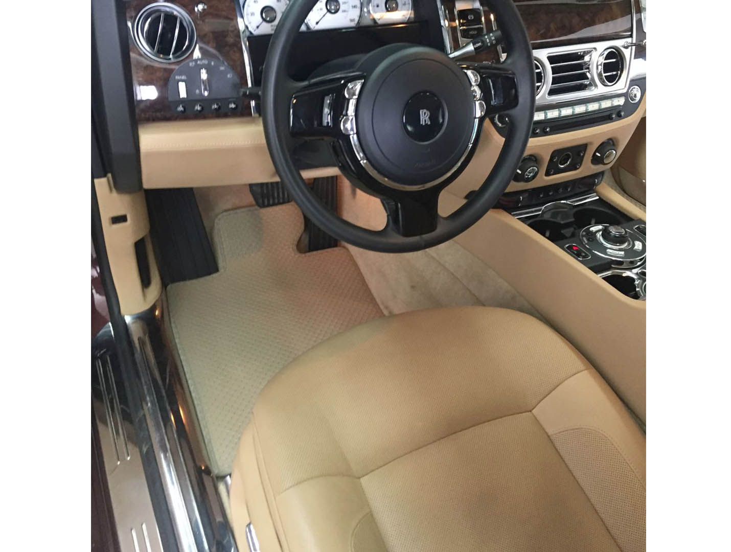 Thảm lót sàn Rolls Royce Ghost 2020