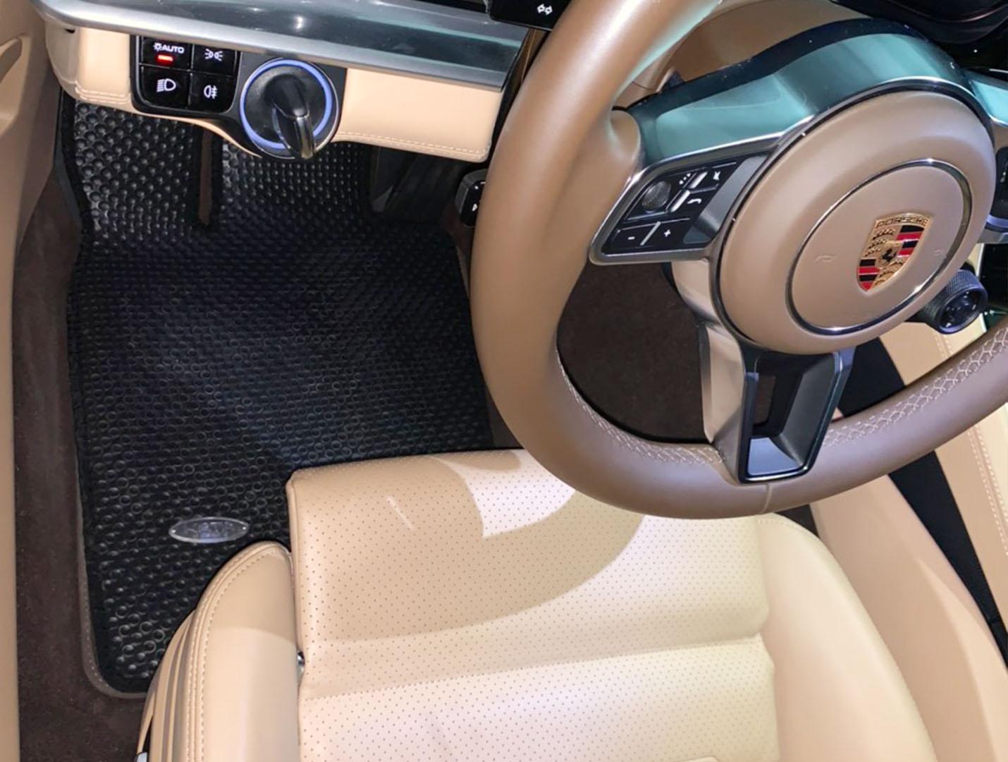 Thảm lót sàn Porsche Panamera G2