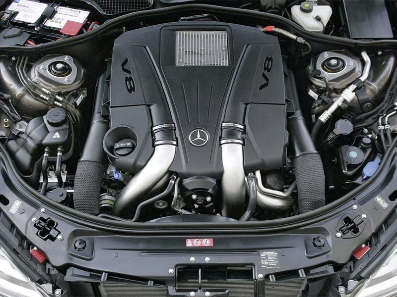 GLS500 và LX570 đều được trang bị động cơ V8