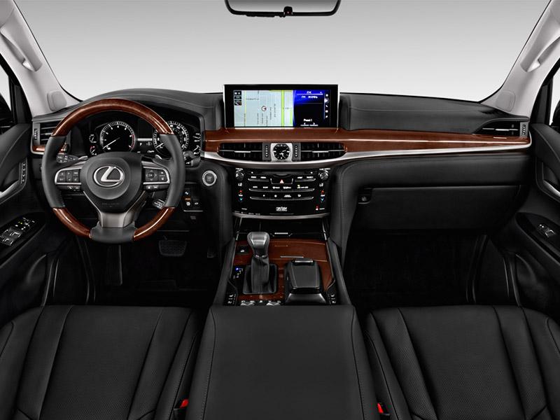 Lexus LX570 ưu thế hơn về cảm giác khi ngồi trong không gian nội thất