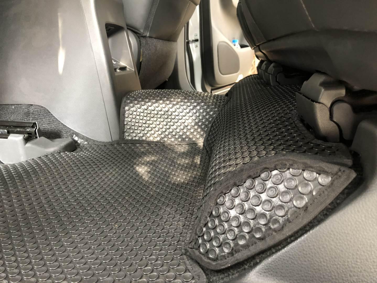 Thảm lót sàn Mitsubishi Pajero Sport 2021