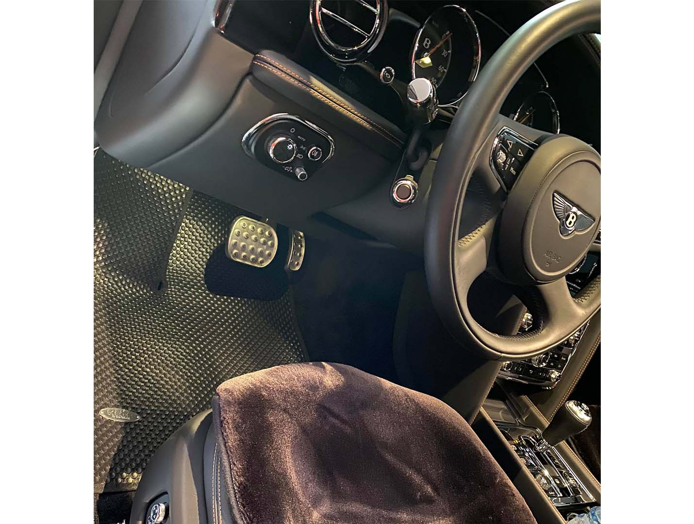 Thảm lót sàn Bentley Mulsanne