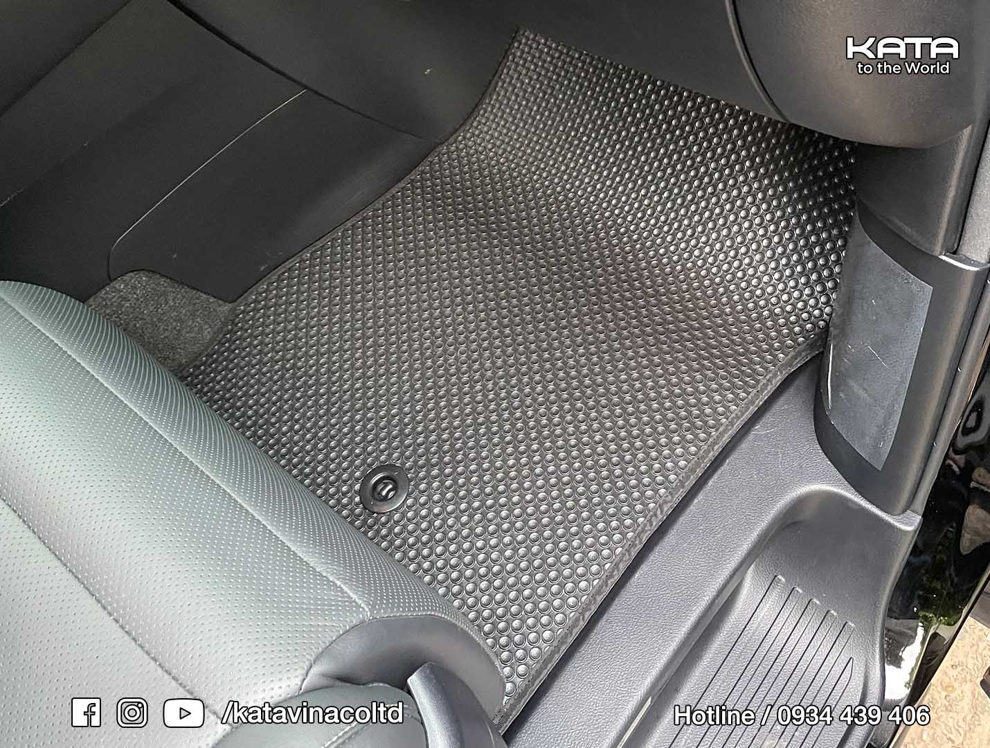 Thảm lót sàn Lexus LM300h 2021